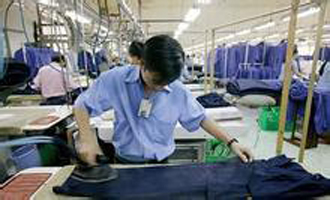 INDIA-TEXTILE SECTOR HAILS 2% INTEREST SUBVENTION FOR